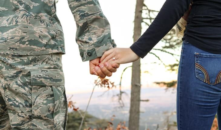 28 Army Girlfriend Quotes and Sayings